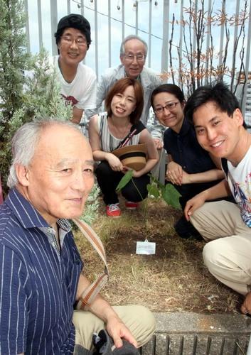 シアターセブン植樹.JPG