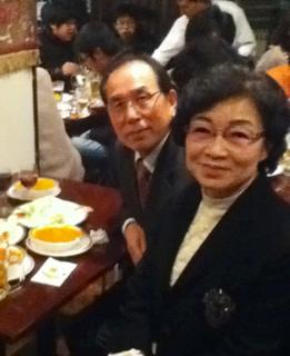 李秀賢さんご両親.png