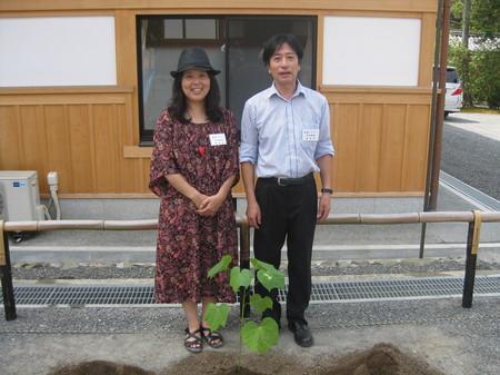 金閣寺での植樹.jpg